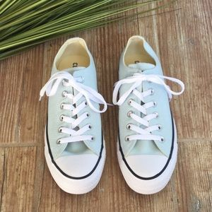 Like new all star converse